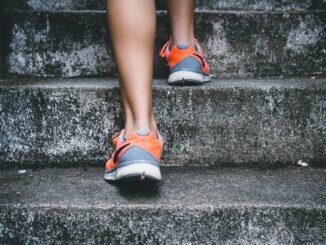 motivációs térkép képzés, lépcsőn fel sétálás